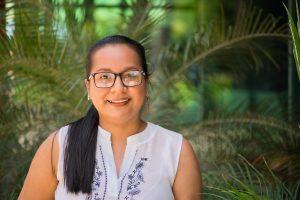 Primera estudiante egresada de la carrera en la Sede del Caribe
